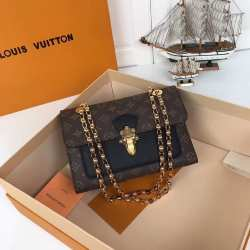 Сумка Louis Vuitton Victoire