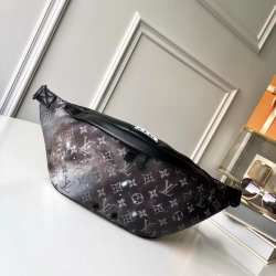 Поясная сумка Louis Vuitton Discovery